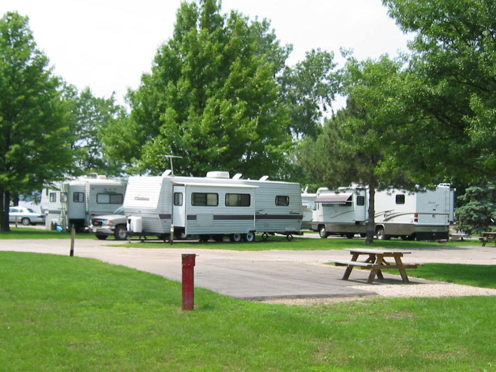 Carl Spindler Campground Welcome To Fondulac Park